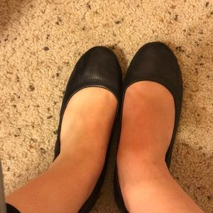 LUCKY black leather flats